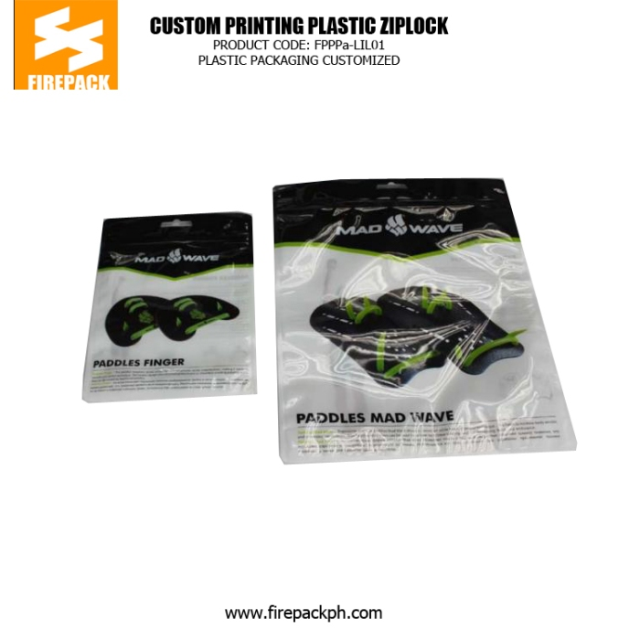 Custom Plastic Ziplock Bags For Packing Clothes , Printed Zipper Pouch bahrain plastic supplier